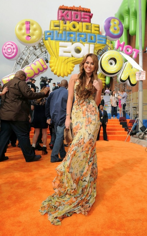 miley-cyrus-kids-choice-awards-2011-2