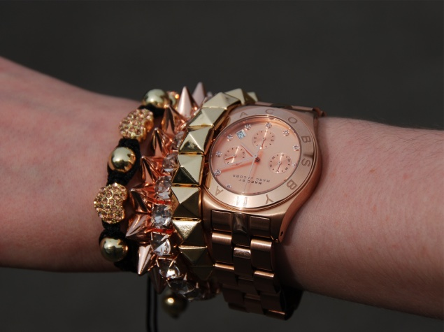 marc-jacobs-rose-gold-blade-chrono-watch