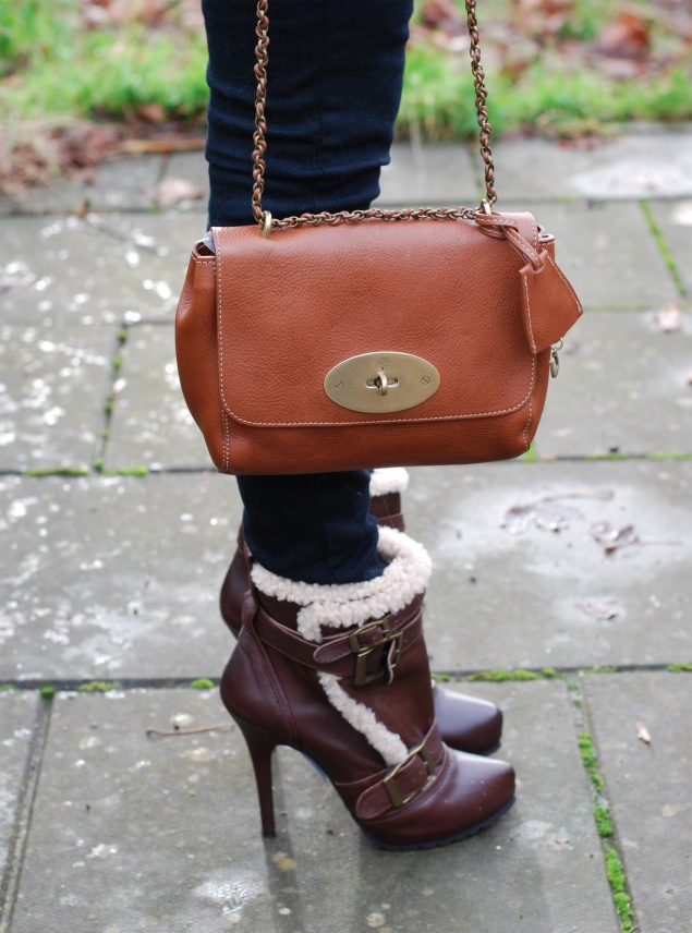 mulberry-lily-oak-shearling-boots
