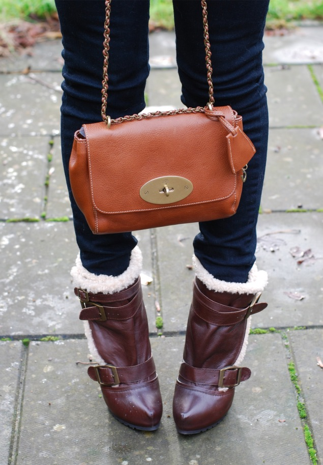 mulberry-oak-lily-shearling-boots