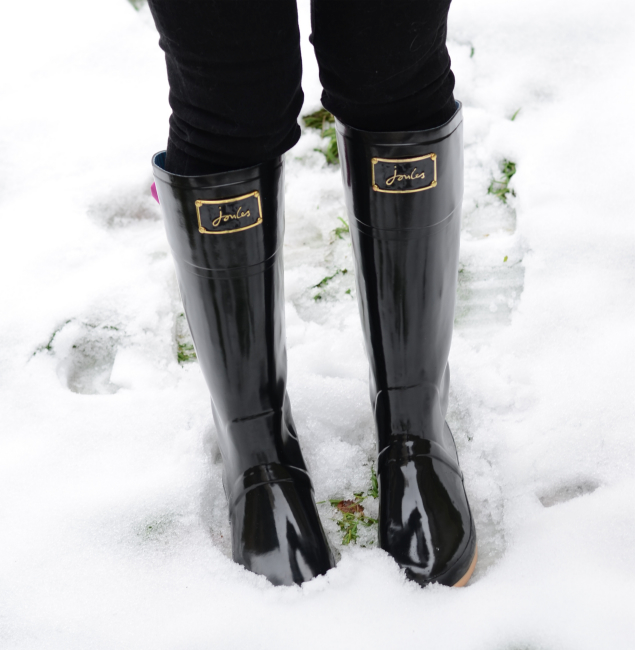 black-joules-ribbon-wellies