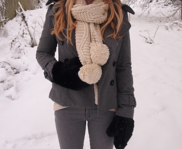 cream cable knit scarf topshop Koala In The Snow