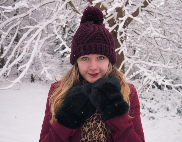 lorna-burford-snow-hat