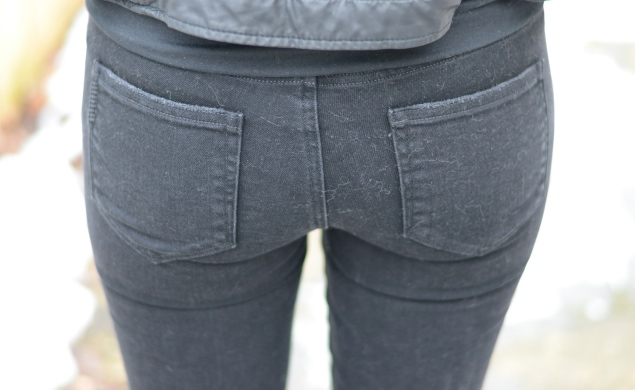 paige-back-pockets