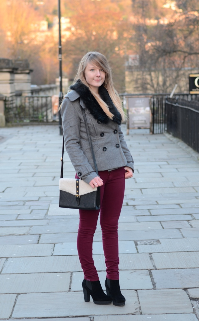 burgundy-jeans-grey-coat