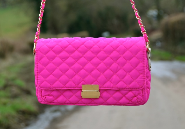 forever21-pink-neon-quilted-bag