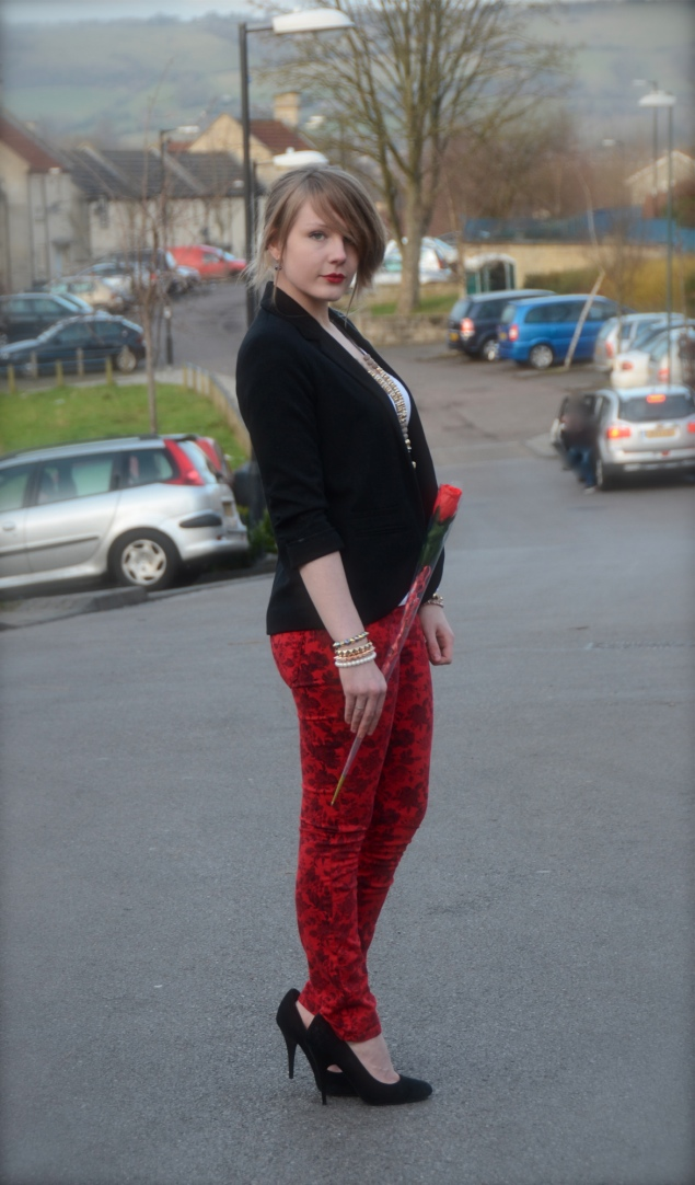 lorna-burford-robins-red-floral-jeans-valentines-rose
