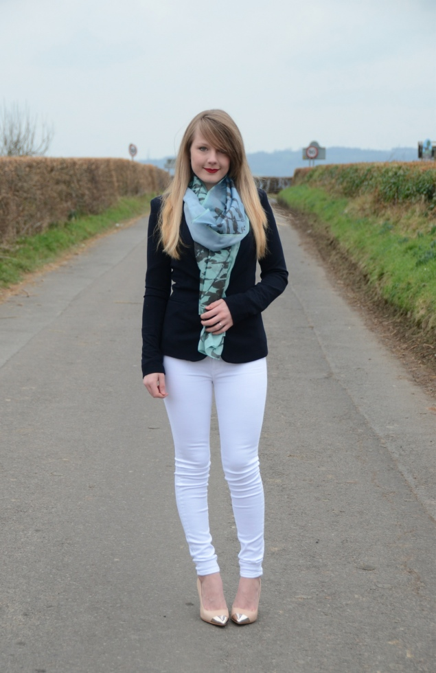 lorna-burford-white-jeans