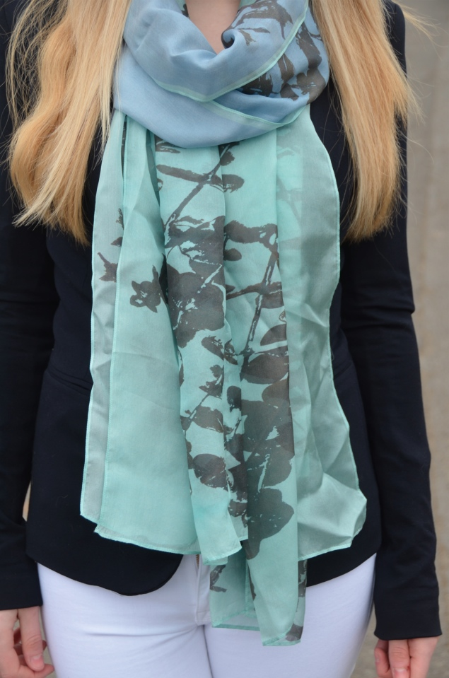 louis-jane-blue-scarf