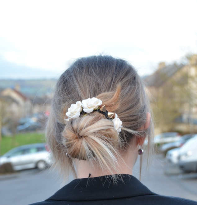 messy hair bun flowers Valentines Day With Flowers In My Messy Bun