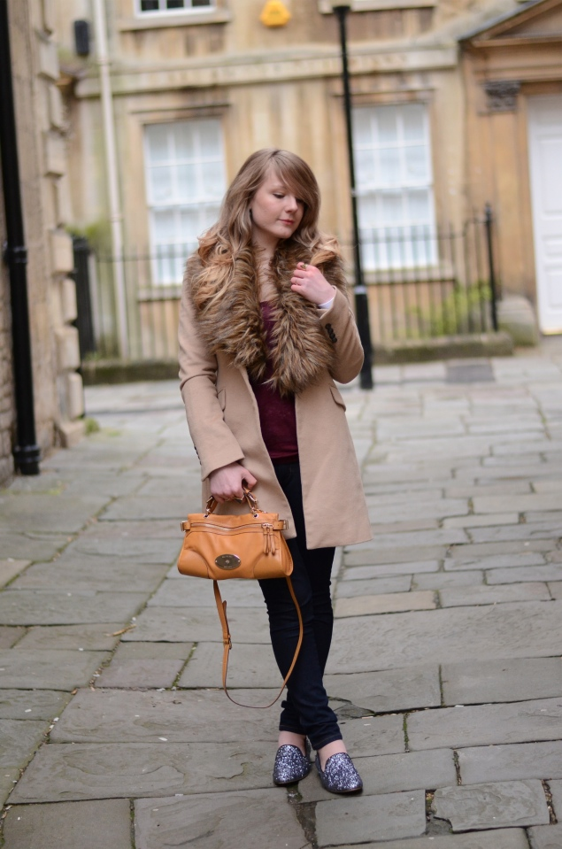 beige-fur-lapel-collar-coat