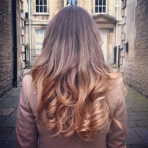 blonde-curly-diy-ombre-dip-dye-hair