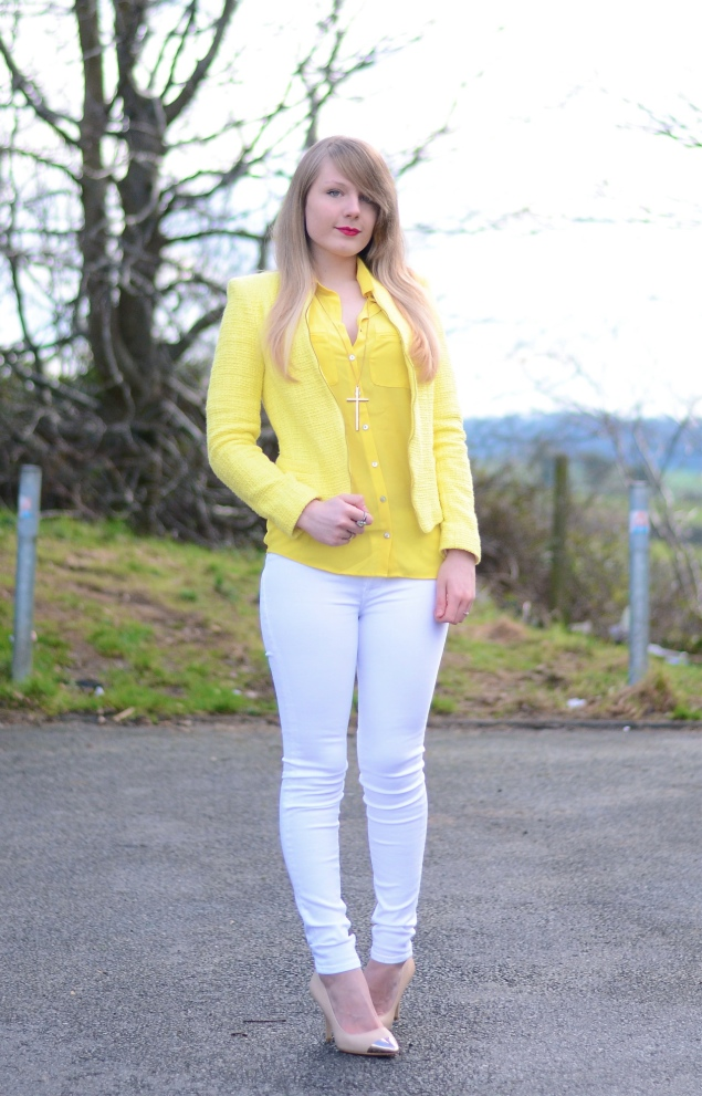 lorna burford lemon yellow jacket white jeans Lemon Yellow Blazer With White Jeans