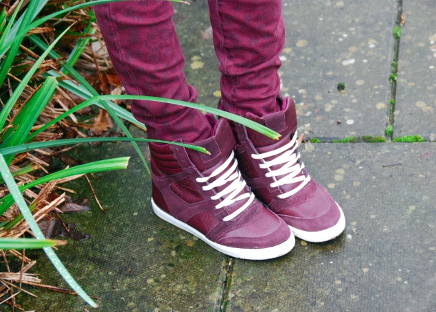 river-island-burgundy-hi-tops