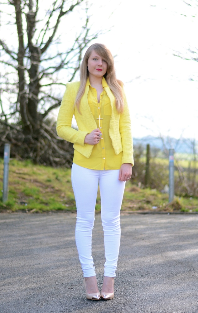 Lemon Yellow Blazer With White Jeans | Raindrops of Sapphire