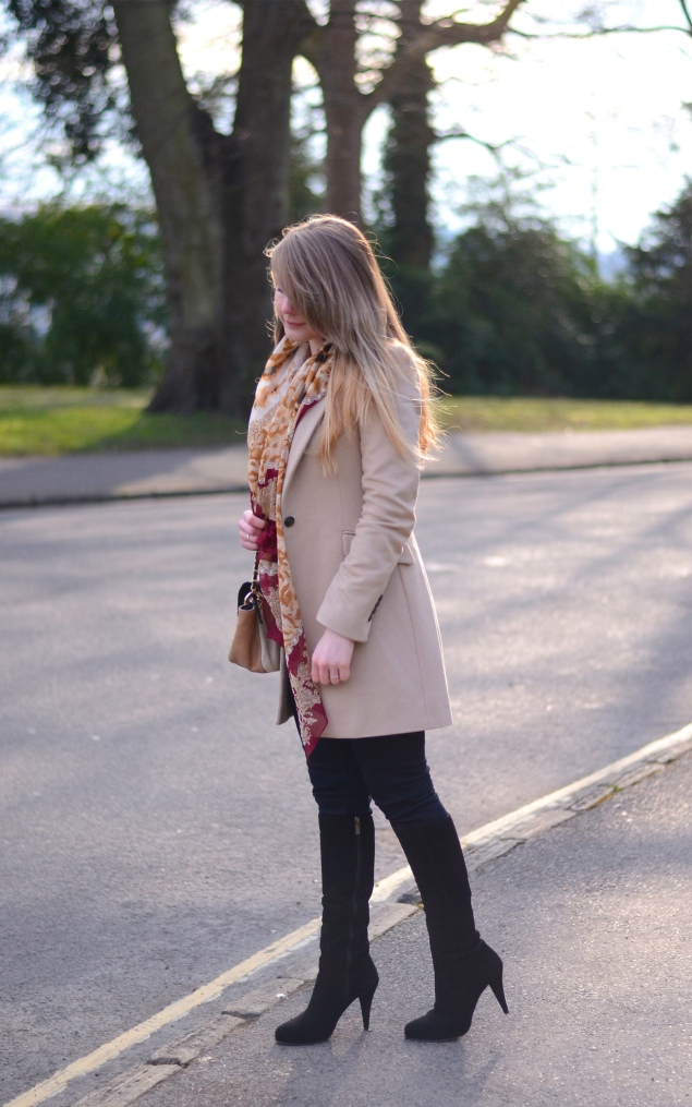 beige-coat-red-gold-scarf