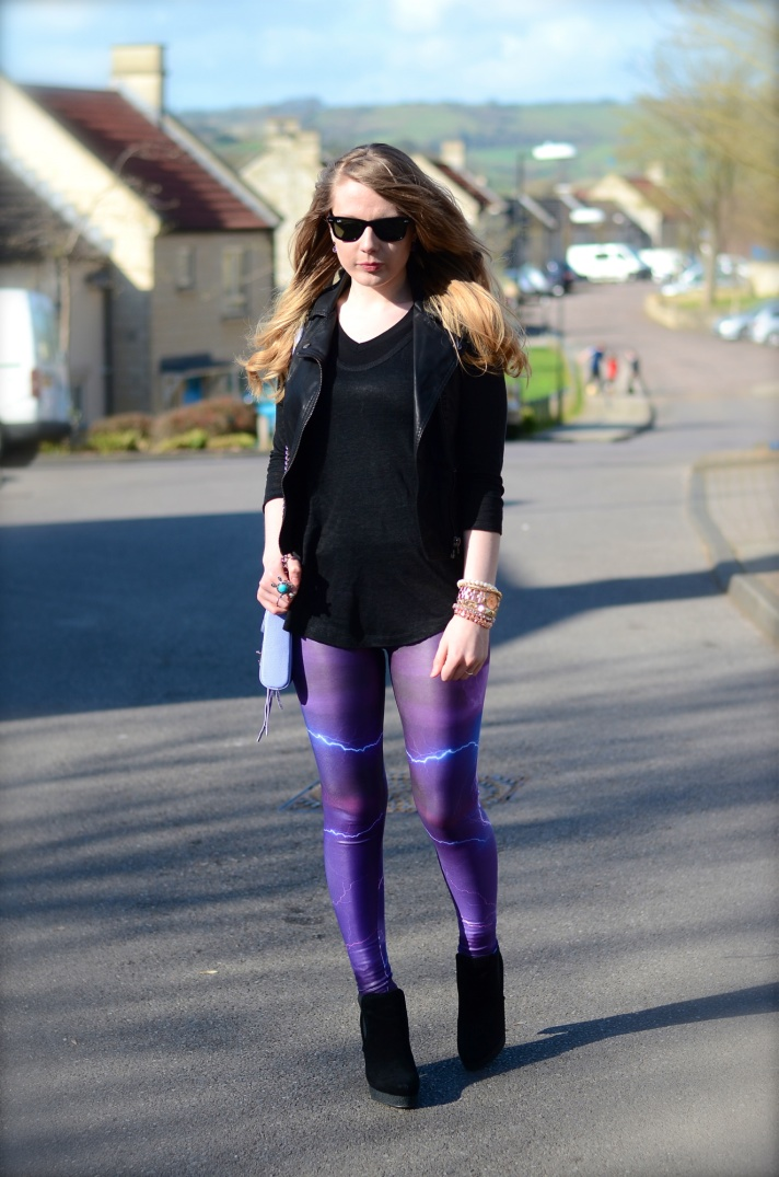 black-top-purple-leggings