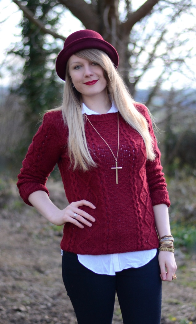 burgundy-jumper-sweater-hat