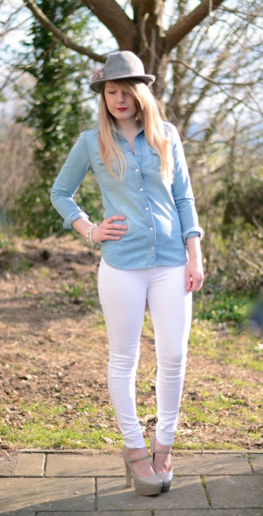 What To Wear With A Denim Shirt Women