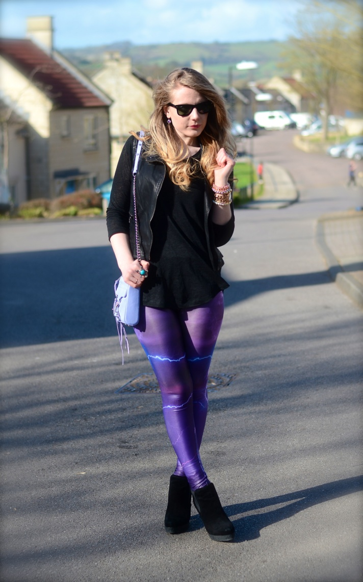 purple-black-outfit-leggings