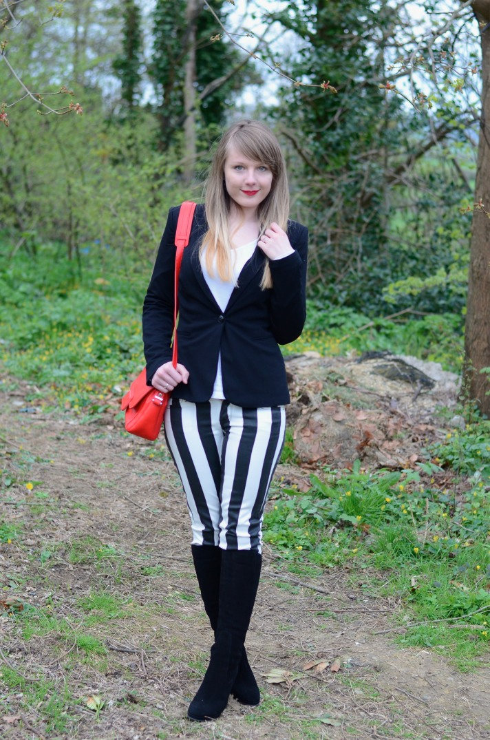 black-white-stripe-look