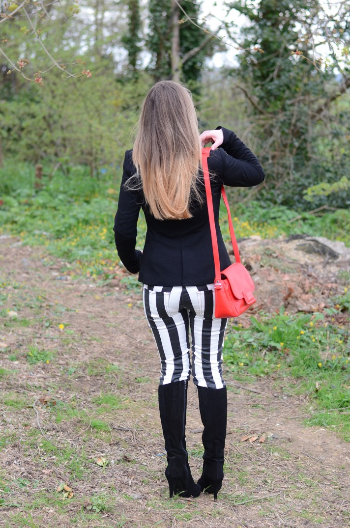 blonde-ombre-hair-striped-jeans