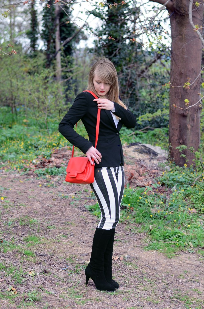 lorna-burford-black-white-stripe-jeans-outfit