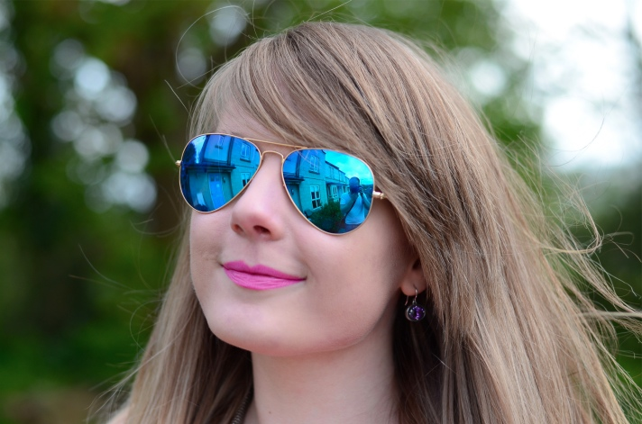 lorna burford blue mirrored ray ban Neon And Acid Wash For Summer