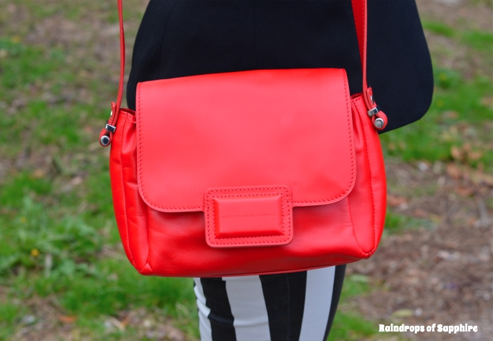 marc-by-marc-jacobs-red-bell-bag