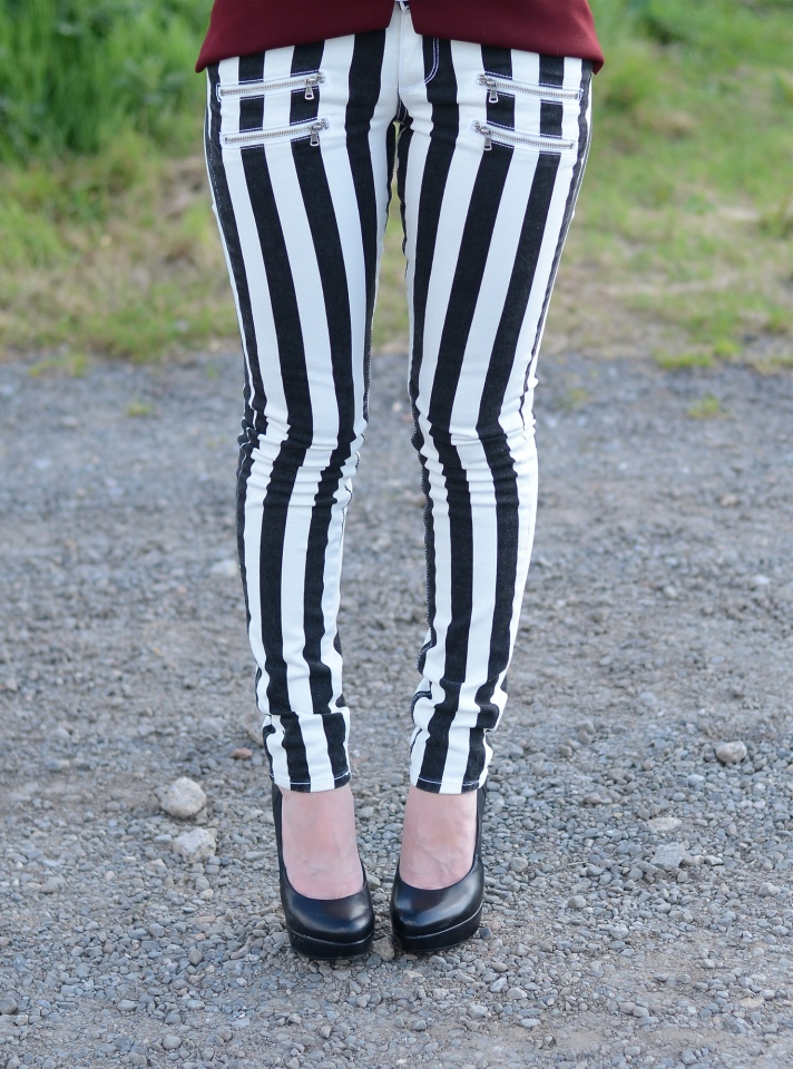 paige-denim-edgemont-black-white-stripe-jeans