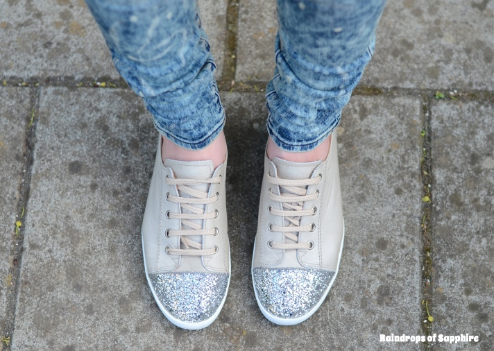 wonders-silver-glitter-shoes