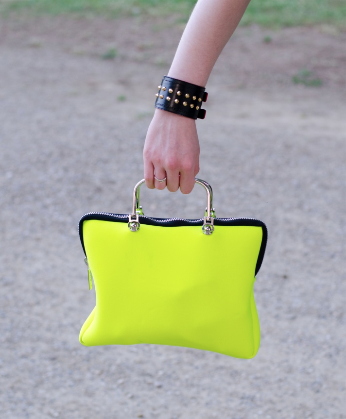 yellow-neon-bag
