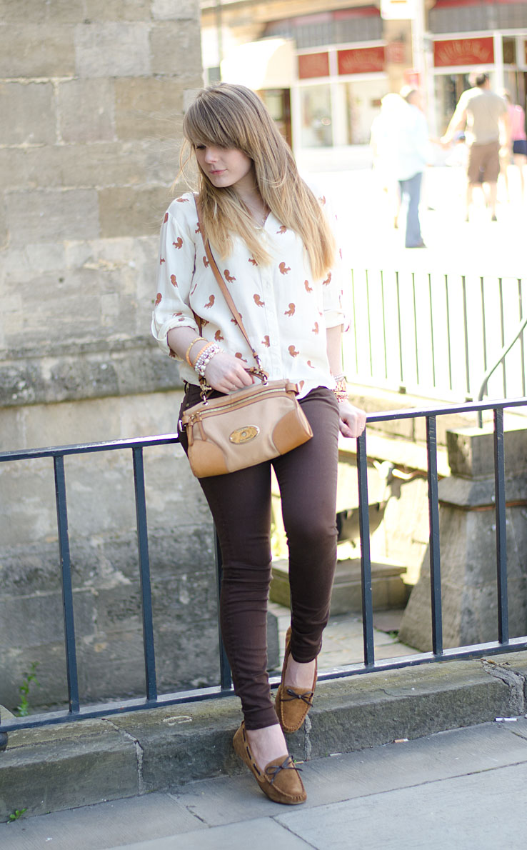 lorna-burford-brown-jeans-shirt-shoes