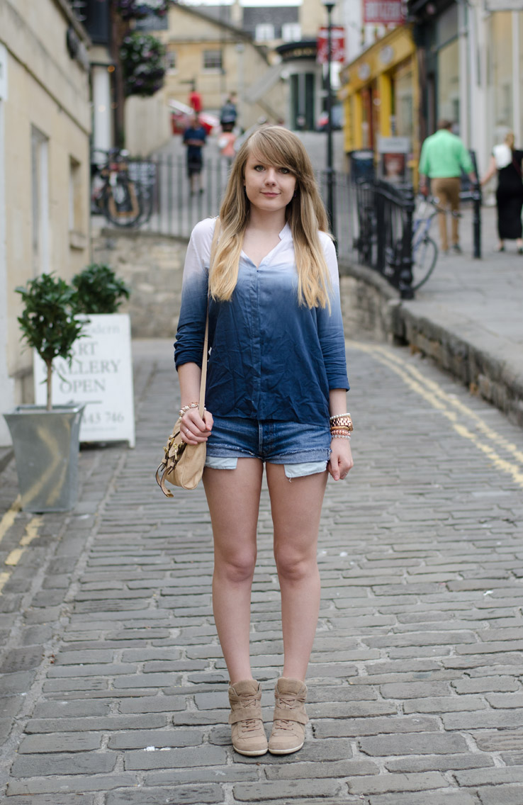 lorna-burford-levis-denim-shorts-dip-dye-blue-shirt