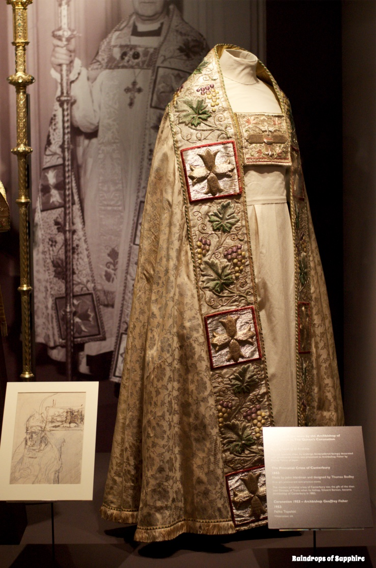 queens-corontation-exhibition-buckingham-palace-17