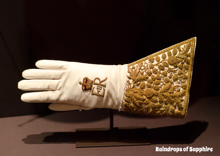 queens-corontation-exhibition-buckingham-palace-20