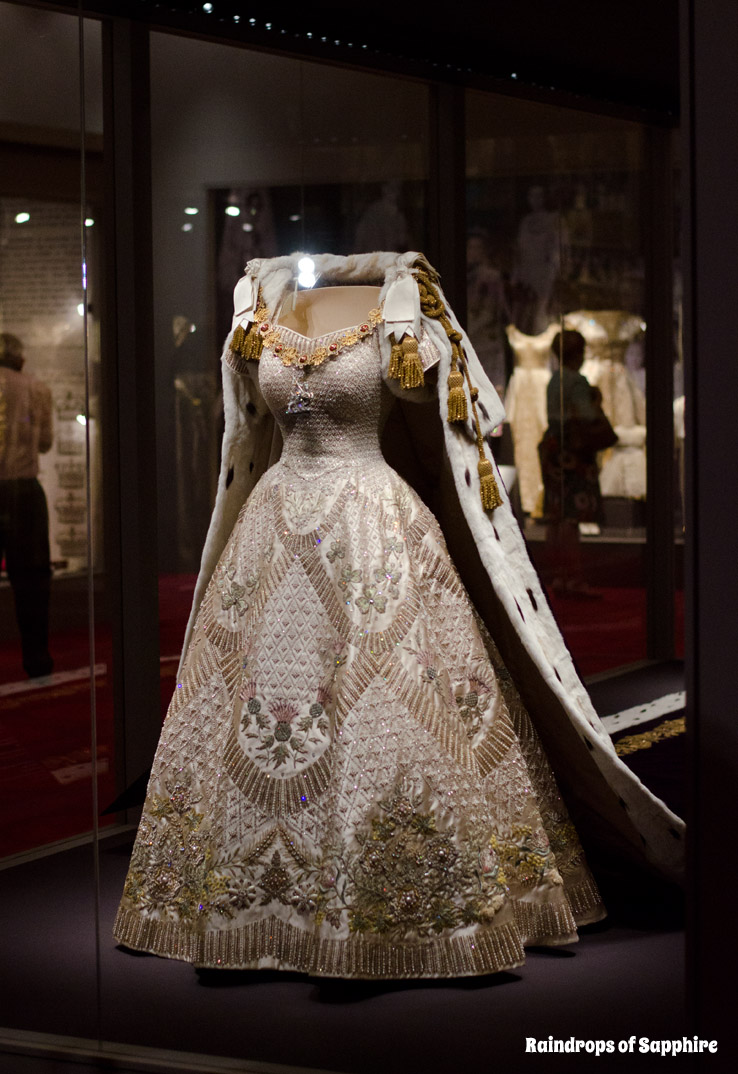 queens-corontation-exhibition-buckingham-palace-28