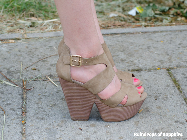 topshop-wedges-taupe