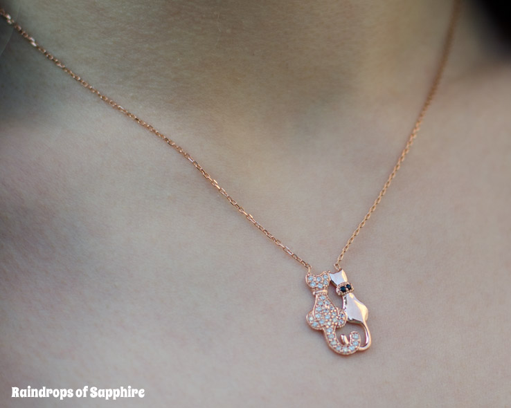 rose-gold-cat-necklace-amorium