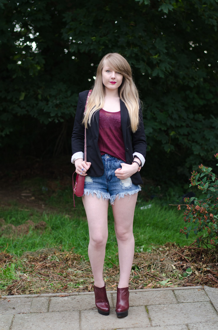 burgundy-top-denim-shorts