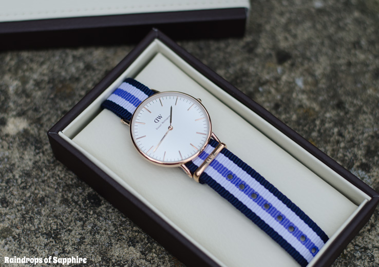 daniel-wellington-watch-purple-strap-gold-face