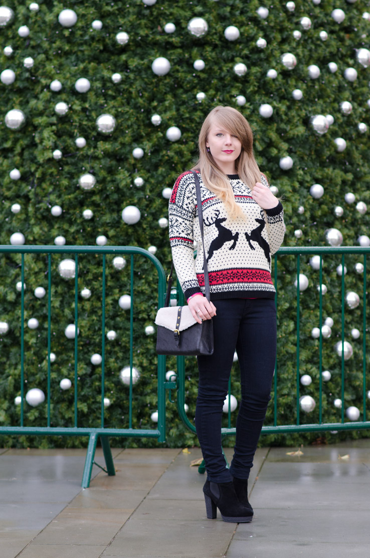 christmas-jumper-black-jeans