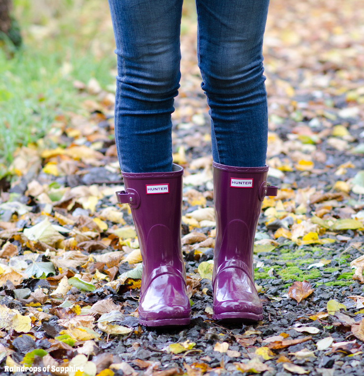 Hunter Short Dark Ruby Gloss Wellies & Jeans Outfit ...