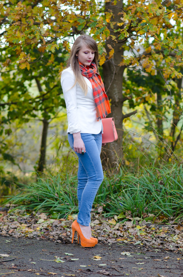 lorna-burford-autumn-orange-jeans-white-blazer