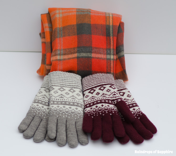 urban-outfitters-topshop-gloves-scarves