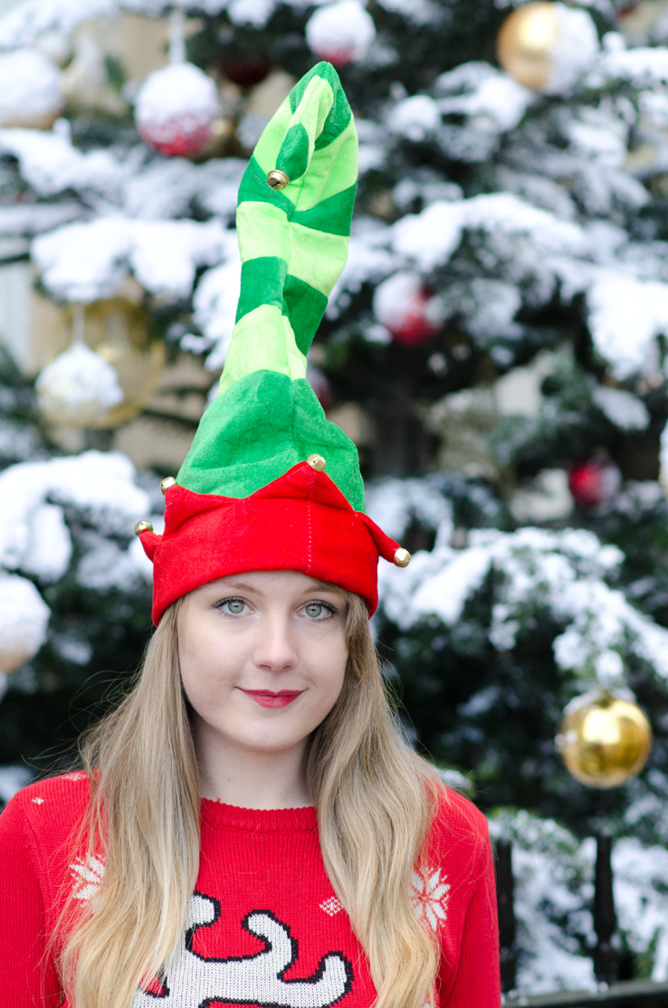 pointy-red-green-elf-hat