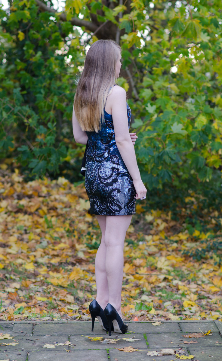 sequin-blue-dress-party-christmas