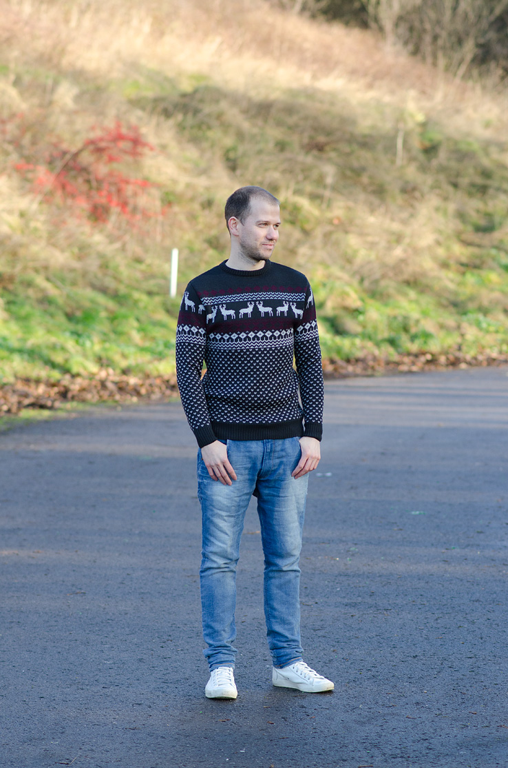 adam-york-christmas-jumper