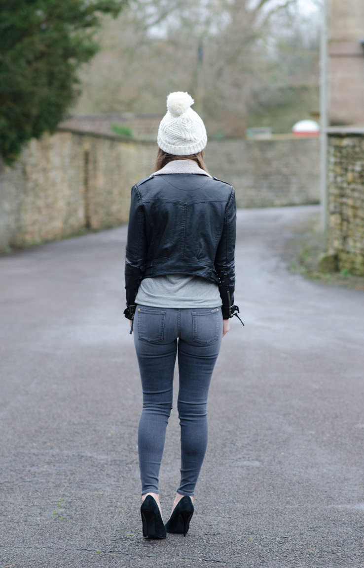 lorna-burford-butt-in-jeans