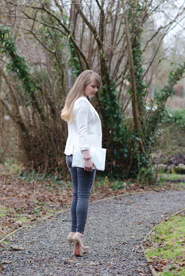 monochrome-outfit-nude-blogger-grey-white